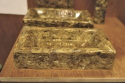 Artichoke bio-resin brick