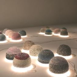 Younes Rahmoun, Tâqiya-Nôr (Hat-light), 2016, multimedia installation