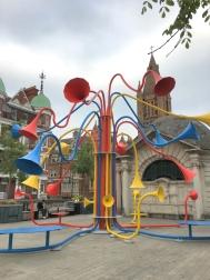 sound art installation by Yuri Suzuki